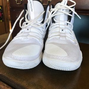 Nike Shoes - SUPER STAR  Nike Women's  basketball shoes.